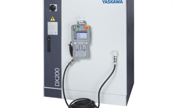 Іноваційний контролер DX 200 для керування роботами Motoman